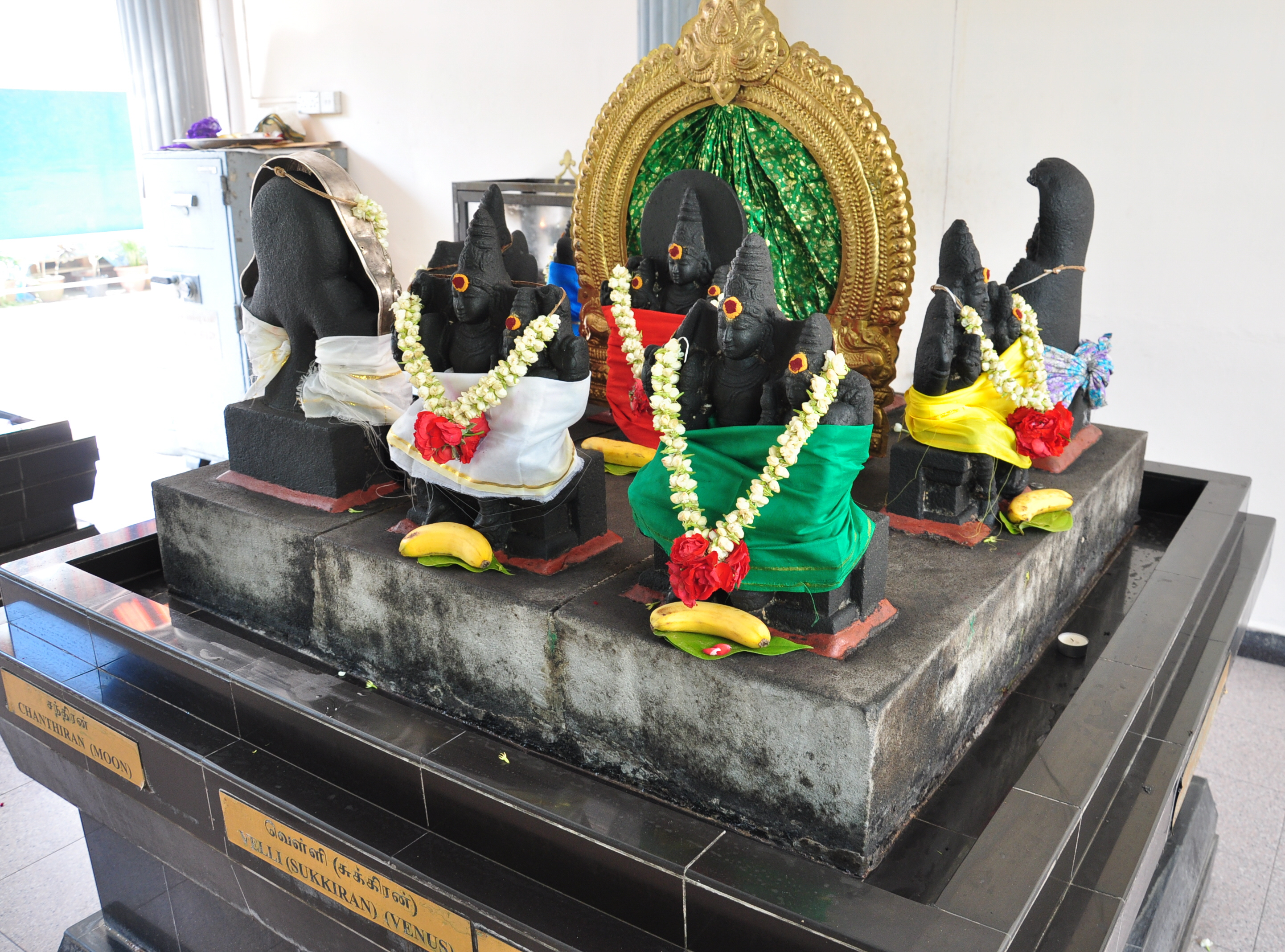 Idols-of-Navagrahas-in-a-temple