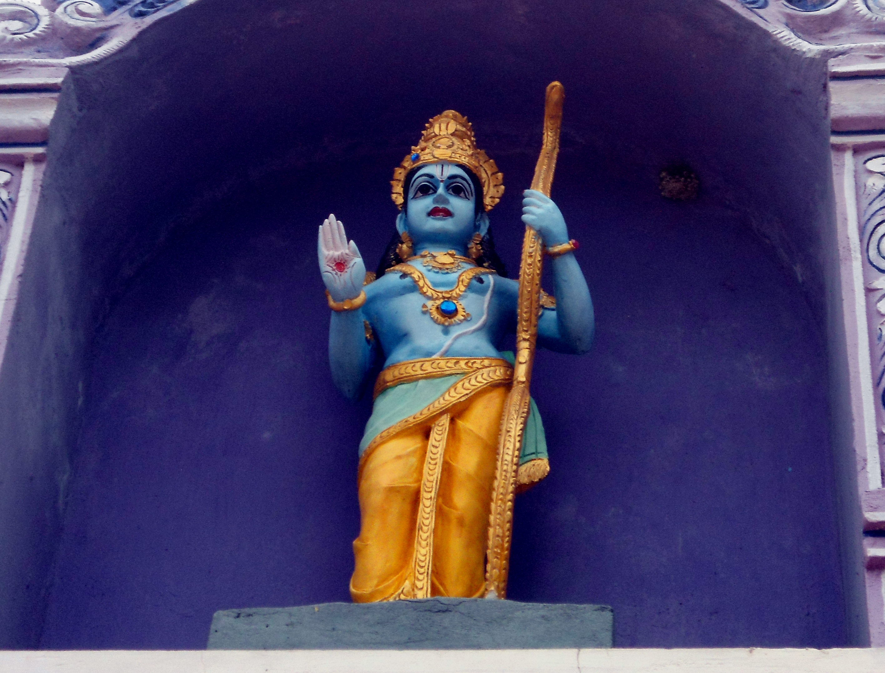 Lord_Rama_statue_at_Venkateswara_Temple_in_Midhilapuri_VUDA_colony