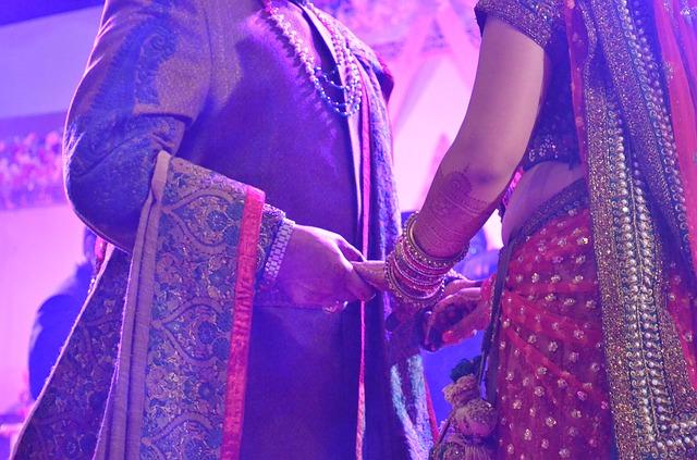wedding-550389_640