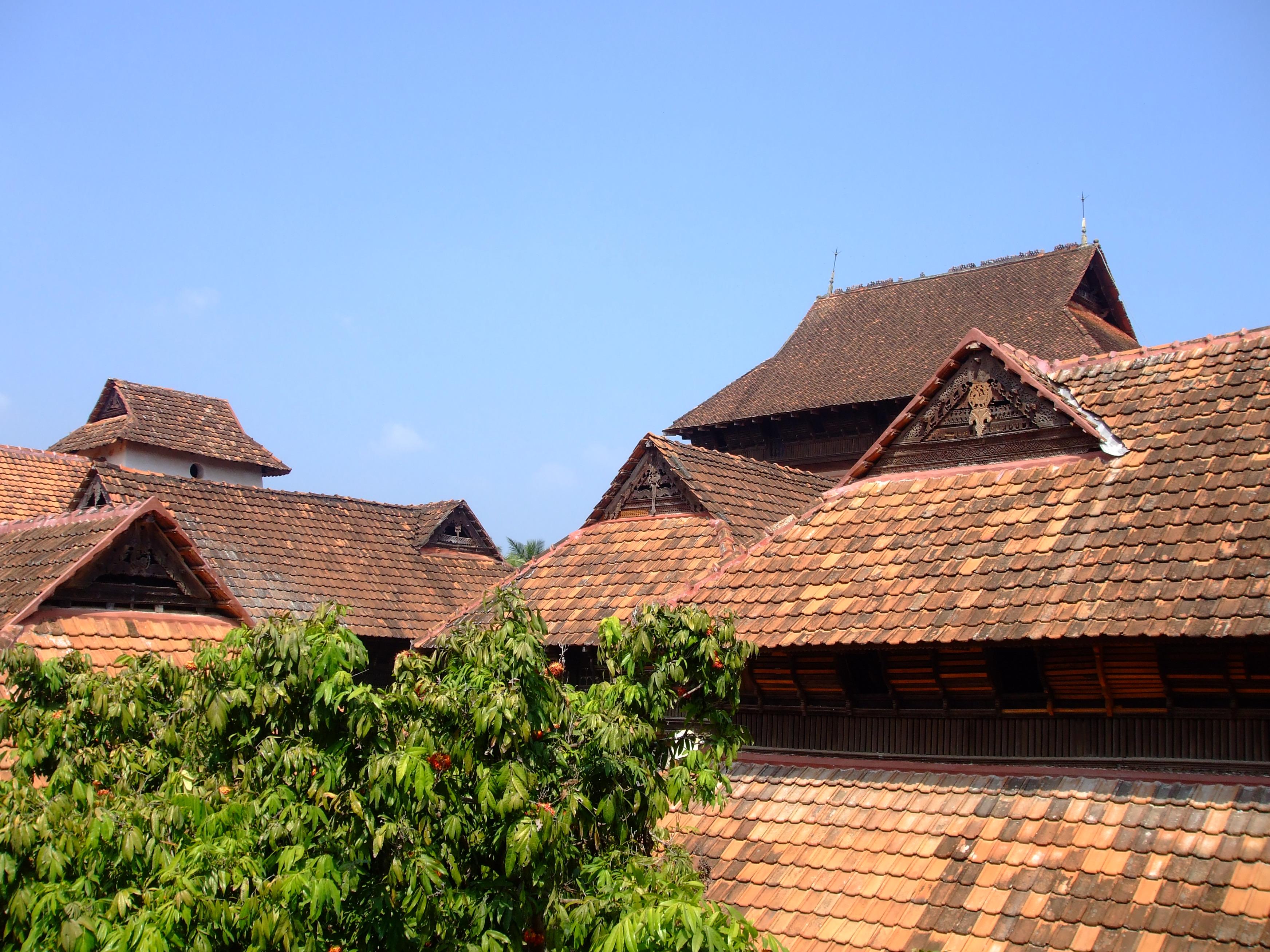 Padmanabhapuram_Palace,_roof_works
